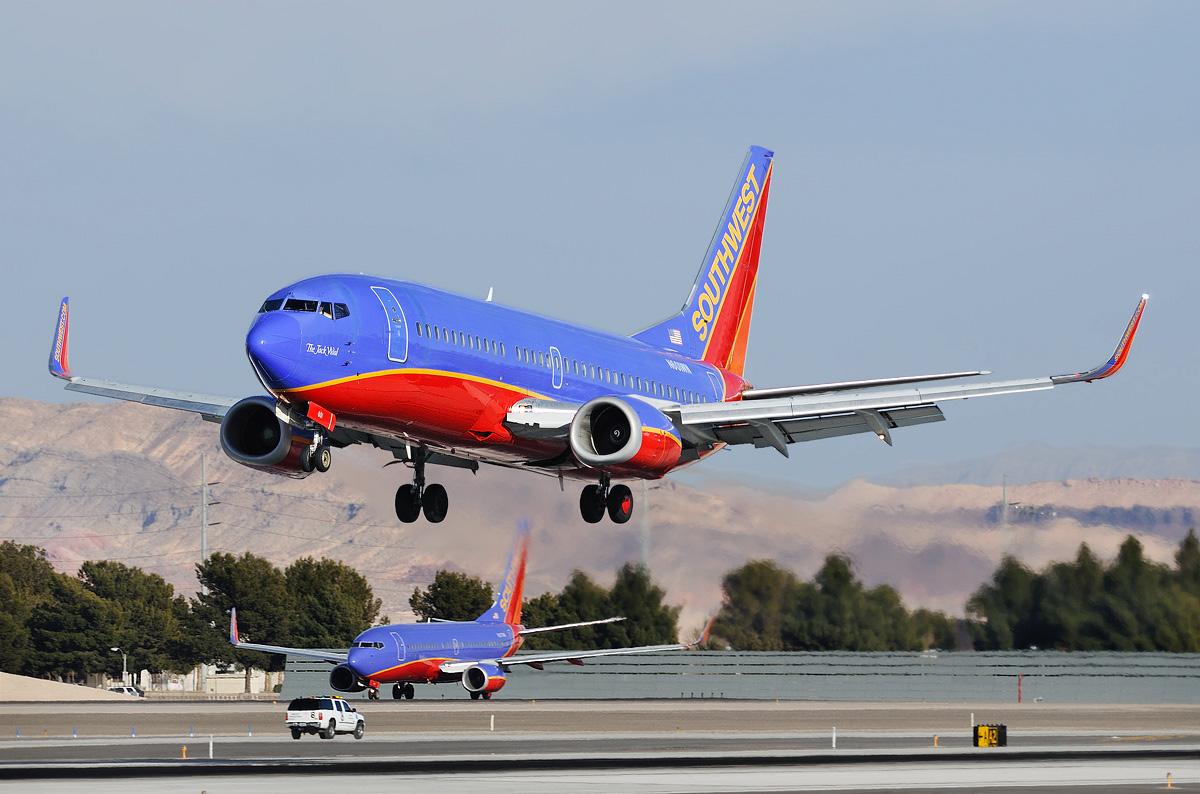 В США проверяют самолеты Boeing 737-300.